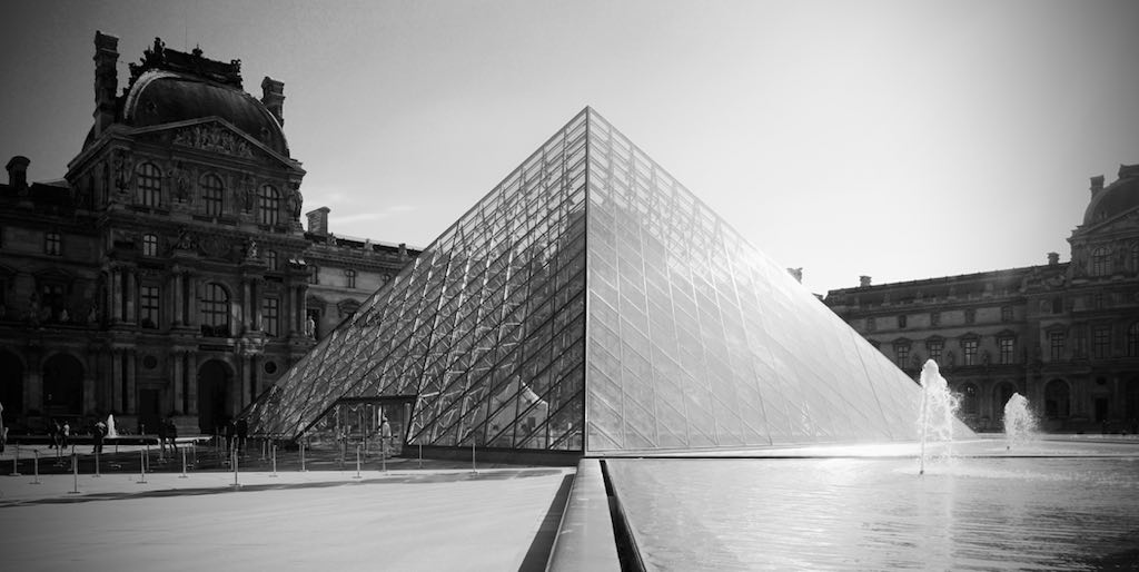 Lourve Pyramid - Black and White - By Georgie